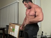 delivery guy get strong!