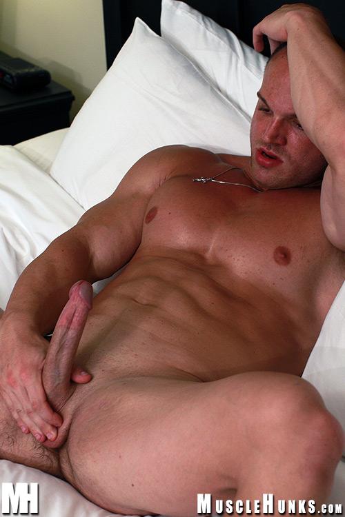 Гейские утехи мускулистых мужиков фото 650-451